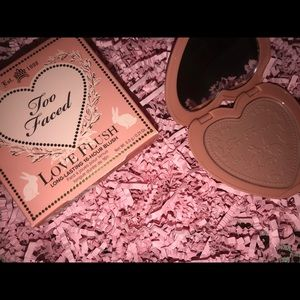 Too faced makeup Blush